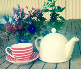 teapot red stripes
